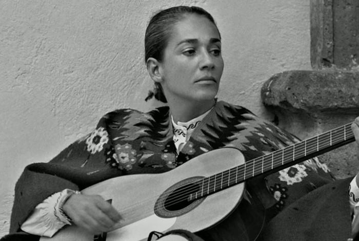 En la música popular, hace 100 años nacieron Chavela Vargas y Orlando de la Rosa